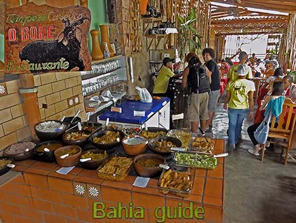Lençois, Comida caseira (dagschotel), eten per kilogram, fotos Chapada Diamantina nationaal park, wandelingen & trekking met vlaamse reis-gids Ivan (die al 10 jaar in Bahia woont) voor uw rond-reis met begeleiding in het Nederlands in Brazilië / #ivanbahiabuide #ibg #bresil #brazil #brazilie #bresilessentiel #brazilessential #toursbylocals #gaytravelbrazil #fotosbahia #bahiatourism #salvadorbahiatravel #fotoschapadadiamantina #fernandobingretourguide #braziltravel #chapadadiamantinatrekking #chapadaadventure #bahiametisse #bahiaguide #lencois #diamantinamountains #diamondmountains #valedopati #patyvalley #valecapao #bahia #lençois #morropaiinacio #cirtur #chapadaadventuredaniel #chapadaroots #chapadasoul #diamantinatrip #chapadadiamantinaguide #chapadadiamantina #valedocapao #viapati #discoverbrazil #brasilienadventure #chapadadiamantinanationalpark #zentur #theculturetrip