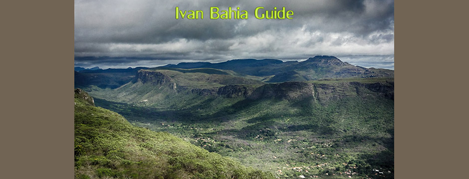 Views walking/trekking to the 380m Cascata da Fumaça waterfall(one of the highest in South America while visiting Chapada Diamantiana national park - Ivan Bahia Tour Guide & Travel Agency in Salvador, Brazil / Reis-gids, reis agentschap in Salvador da Bahia / #IvanBahiaGuide,#SalvadorBahiaBrazil,#Bresil,#BresilEssentiel,#BrazilEssential,#ChapadaDiamantina,#Brazilie,#ToursByLocals,#GayTravelBrazil,#IBG,#FotosBahia,#BahiaTourism,#SalvadorBahiaTravel,#FotosChapadaDiamantina,#fernandobingretourguide,#BrazilTravel,#ChapadaDiamantinaGuide,#ChapadaDiamantinaTrekking,#Chapadaadventure,#BahiaMetisse,#BahiaGuide,#diamantinamountains,#DiamondMountains,#ValedoPati,#PatyValley,#ValeCapao,#Bahia,#Lençois,#MorroPaiInacio