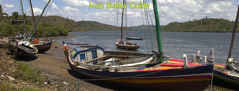 Traditionele Saveiro zeilschepen op rondreis in de Recôncavo Baiano met Nederlandstalige reis-gids Ivan Bahia Guide