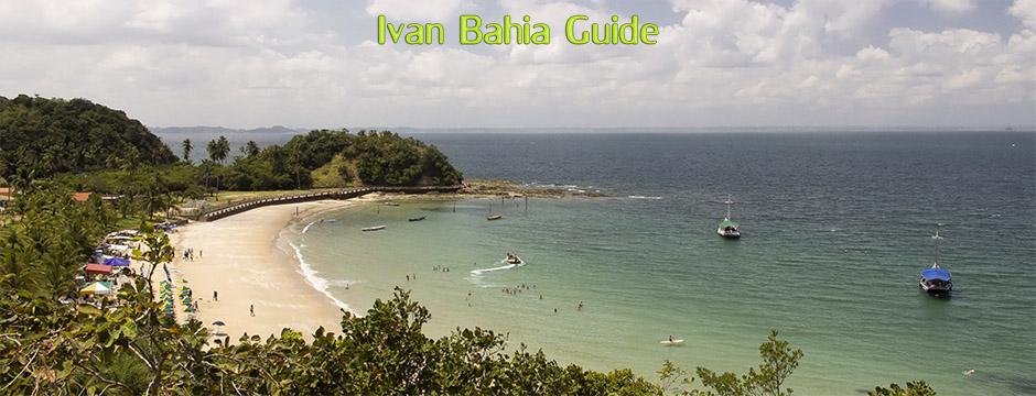 Relaxing beach of the island FradesSegeln in der Allerheiligenbucht mit Ivan Bahia Reiseleiter, in einem traditionellen Schoner, um die Inseln Frades und Itaparica zu besuchen, um im kristallklaren Wasser zu schwimmen.