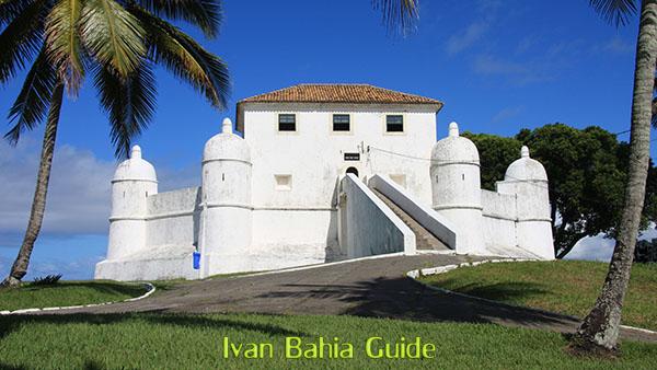 Forte de Mont Serrat, le dernier fort dans la lignée de défense du 18iemm siecle de Salvador da Bahia, à dévouvrir avec Ivan Bahia Guide @ivanbahiaguide #IvanBahiaGuide #IvanSalvadorGuide #Bresil #BresilEssentiel  #SalvadorGuide #BahiaFotoguidebresil #FernandoBingreTourGuide #VoyageBahia #VoyagerAuBresil #IBG #GuideDeTourismeSalvadorBahiaBresil