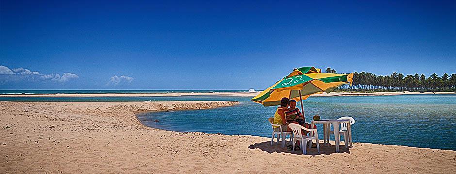 Ivan Bahia Guide aphrodisiac beach table