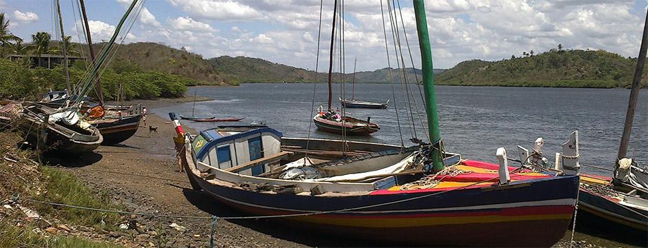 Ivan Bahia Guide traditional Saveiro sailships in the Recôncavo Baiano