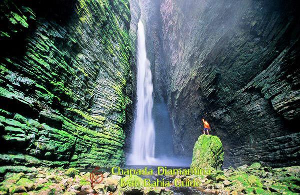 Visiting Cachoeira da Fumacinha waterfal in Chapada Diamatina National Park / Ivan Bahia Guide, traveling in Brazil, reisgids in Brazilie,#IvanBahiaGuide,#SalvadorBahiaBrazil,#Bresil,#BresilEssentiel,#BrazilEssential,#ChapadaDiamantina,#Brazilie,#ToursByLocals,#GayTravelBrazil,#IBG,#FotosBahia,#BahiaTourism,#SalvadorBahiaTravel,#FotosChapadaDiamantina,#fernandobingretourguide,#BrazilTravel,#ChapadaDiamantinaGuide,#ChapadaDiamantinaTrekking,#Chapadaadventure,#BahiaMetisse,#BahiaGuide,#diamantinamountains,#DiamondMountains,#ValedoPati,#PatyValley,#ValeCapao,#Bahia,#Lençois,#MorroPaiInacio