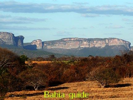 Verbluffende landschappen al rijdend, fotos Chapada Diamantina nationaal park, wandelingen & trekking met vlaamse reis-gids Ivan (die al 10 jaar in Bahia woont) voor uw rond-reis met begeleiding in het Nederlands in Brazilië / #ivanbahiabuide #ibg #bresil #brazil #brazilie #bresilessentiel #brazilessential #toursbylocals #gaytravelbrazil #fotosbahia #bahiatourism #salvadorbahiatravel #fotoschapadadiamantina #fernandobingretourguide #braziltravel #chapadadiamantinatrekking #chapadaadventure #bahiametisse #bahiaguide #lencois #diamantinamountains #diamondmountains #valedopati #patyvalley #valecapao #bahia #lençois #morropaiinacio #cirtur #chapadaadventuredaniel #chapadaroots #chapadasoul #diamantinatrip #chapadadiamantinaguide #chapadadiamantina #valedocapao #viapati #discoverbrazil #brasilienadventure #chapadadiamantinanationalpark #zentur #theculturetrip