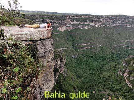 380m hoge Cascata da Fumaça waterval, fotos Chapada Diamantina nationaal park, wandelingen & trekking met vlaamse reis-gids Ivan (die al 10 jaar in Bahia woont) voor uw rond-reis met begeleiding in het Nederlands in Brazilië / #ivanbahiabuide #ibg #bresil #brazil #brazilie #bresilessentiel #brazilessential #toursbylocals #gaytravelbrazil #fotosbahia #bahiatourism #salvadorbahiatravel #fotoschapadadiamantina #fernandobingretourguide #braziltravel #chapadadiamantinatrekking #chapadaadventure #bahiametisse #bahiaguide #lencois #diamantinamountains #diamondmountains #valedopati #patyvalley #valecapao #bahia #lençois #morropaiinacio #cirtur #chapadaadventuredaniel #chapadaroots #chapadasoul #diamantinatrip #chapadadiamantinaguide #chapadadiamantina #valedocapao #viapati #discoverbrazil #brasilienadventure #chapadadiamantinanationalpark #zentur #theculturetrip