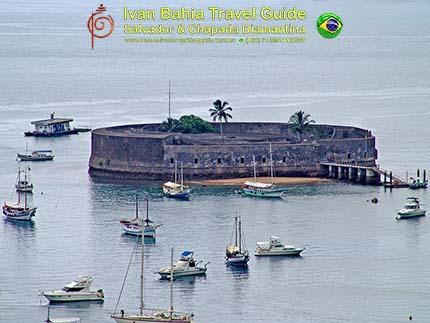 São Marcelo fort, met vlaamse reis-gids Ivan (die al 10 jaar in Bahia woont), fotos uit Salvador da Bahia, wandelingen en rond-reizen met begeleiding in het Nederlands, in Brazilië. Onze hashtag : #IvanBahiaGuide #IvanSalvadorBahia #IvanBahiaReisGids #IvanSalvadorReisGids  #ReisGids #SalvadorBahia #Brazilie #Salvador500in1 #SalvadorBahiaFotos #BahiaFotos #FotosBahia #SalvadorBahiaBrazilie