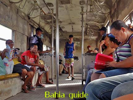 sociaal toerisme in de favela-trein langs de Allerheiligen-baai, met vlaamse reis-gids Ivan (die al 10 jaar in Bahia woont), fotos uit Salvador da Bahia, wandelingen en rond-reizen met begeleiding in het Nederlands, in Brazilië. Onze hashtag : #IvanBahiaGuide #IvanSalvadorBahia #IvanBahiaReisGids #IvanSalvadorReisGids  #ReisGids #SalvadorBahia #Brazilie #Salvador500in1 #SalvadorBahiaFotos #BahiaFotos #FotosBahia #SalvadorBahiaBrazilie