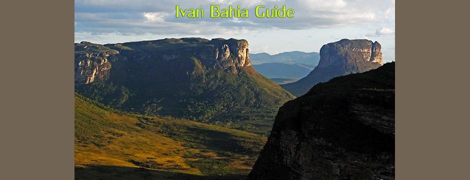 LA vue carte postale à partir du mont Pai Inaçio avec Ivan Salvador & Bahia tour guide touristique d'origine francophone, randonnée, balade & trekking au parc national Chapada Diamantina - transport privé francophone - Brésil
