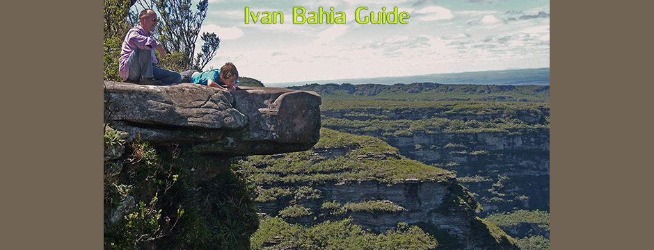 View from atop the 380m high Cascata da Fumaça waterfall while visiting Chapada Diamantiana national park with Ivan Salvador da Bahia & official tour guide #ivanbahiabuide #ibg #bresil #topofbrazil #brazil #brazilie #bresilessentiel #ChapadaDiamantina_nationalpark #brazilessential #toursbylocals #gaytravelbrazil #fotosbahia #bahiatourism #salvadorbahiatravel #fotoschapadadiamantina #fernandobingretourguide #braziltravel #chapadadiamantinatrekking #chapadaadventure #bahiametisse #bahiaguide #lencois #diamantinamountains #diamondmountains #valedopati #patyvalley #valecapao #bahia #lençois #morropaiinacio #cirtur #chapadaadventuredaniel #chapadaroots #chapadasoul #diamantinatrip #chapadadiamantinaguide #chapadadiamantina #valedocapao #viapati #discoverbrazil #brasilienadventure #chapadadiamantinanationalpark #zentur #theculturetrip #uphillchapada
