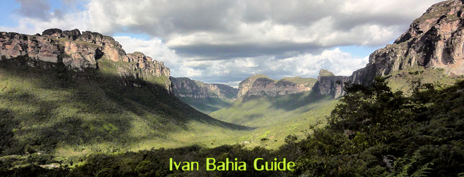 Amazing walking scenery in the Valé do Pati with Ivan Salvador da Bahia & Chapada Diamantiana national park's official tour guide, #FotosBahia,#ChapadaDiamantina,#ChapadaDiamantinaTrekking,#BahiaMetisse,#ToursByLocals,#DiamantinaMountains,#PatyValley,#Lençois,#ChapadaDiamantinaMountains,#IvanBahiaGuide,#nasalturas,#Chapadaadventures
