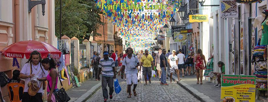 Die freundliche Atmosphäre in der Altstadt von Salvador, mit Ivan Bahia Guide, Reiseführer in Salvador, Brasilien
